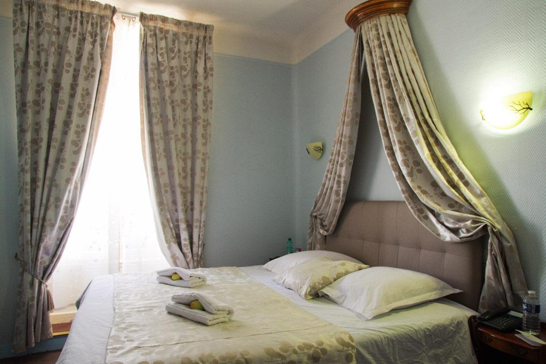 Notre chambre à l'hôtel du Dauphin