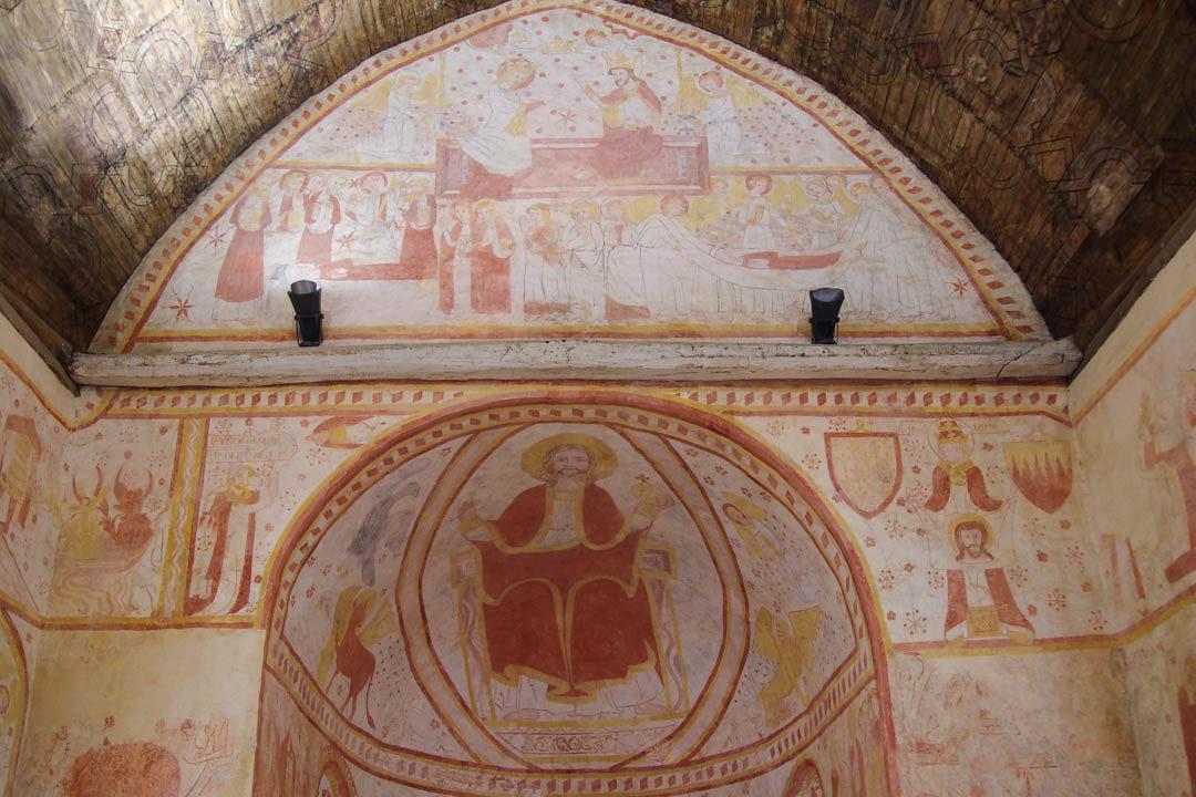 Intérieur de l'Eglise de Saint Ceneri