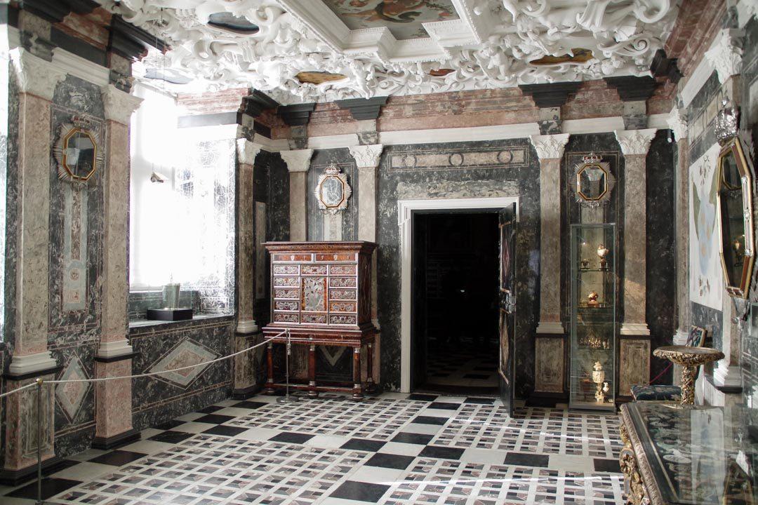 Intérieur du Château de Rosenborg, le salon de marbre