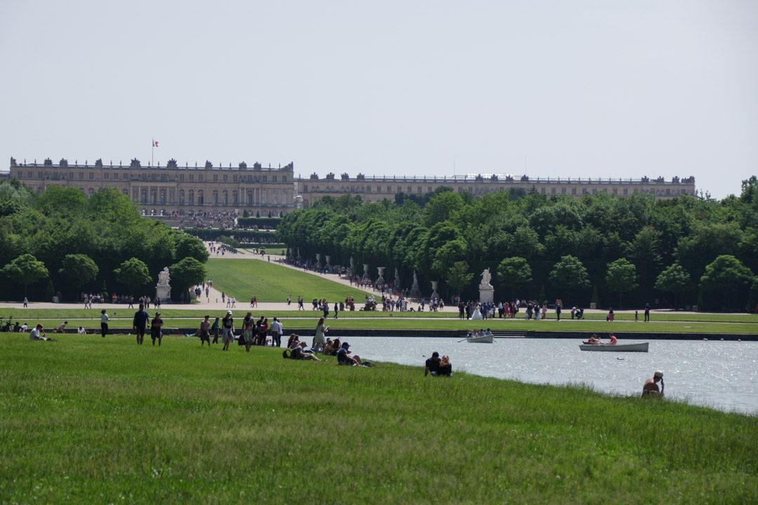 Pique nique au bord du Grand Canal - Versailles