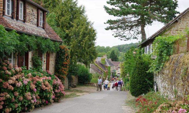 Saint-Céneri-le-Gérei : un des plus beaux villages de France