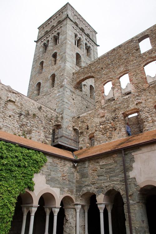 Cloitre- Monestir San Pere de Rodes