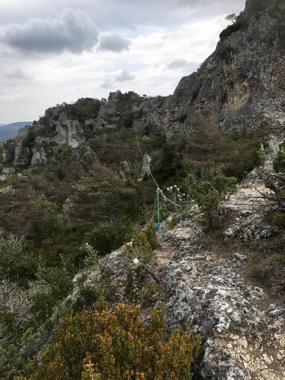 Tyrolienne du parc aventure de Montpellier le Vieux