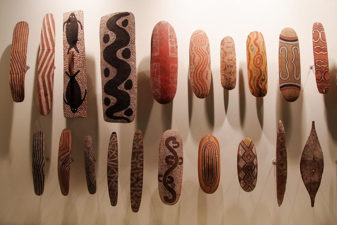 Exposition de boucliers aborigenes