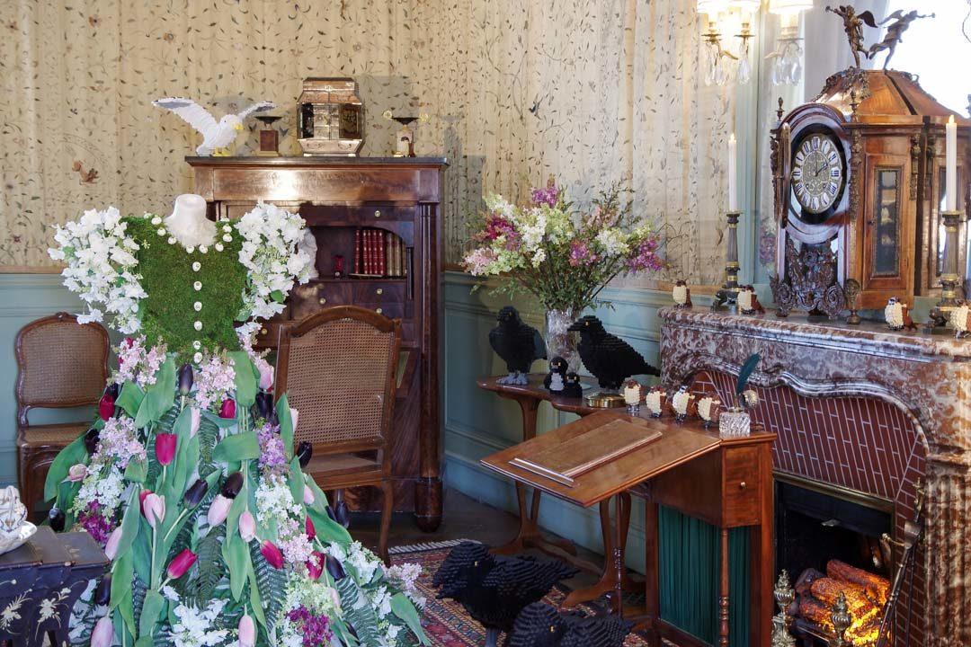 exposition robes et lego dans le chateau de Cheverny
