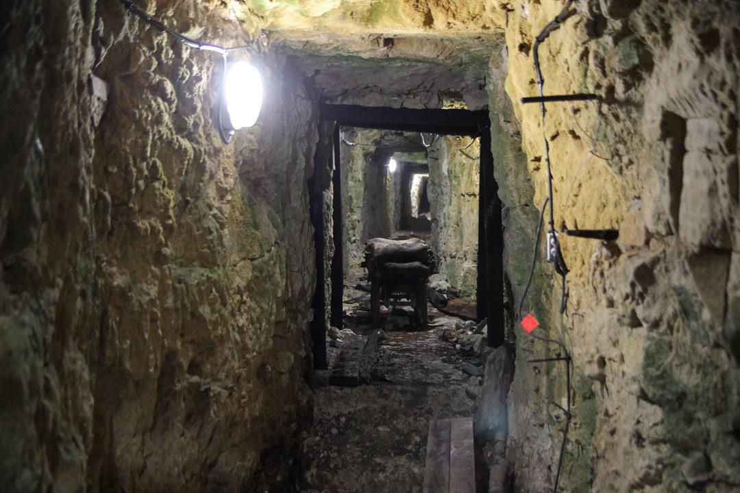 Visite de la partie souterraine des tranchées