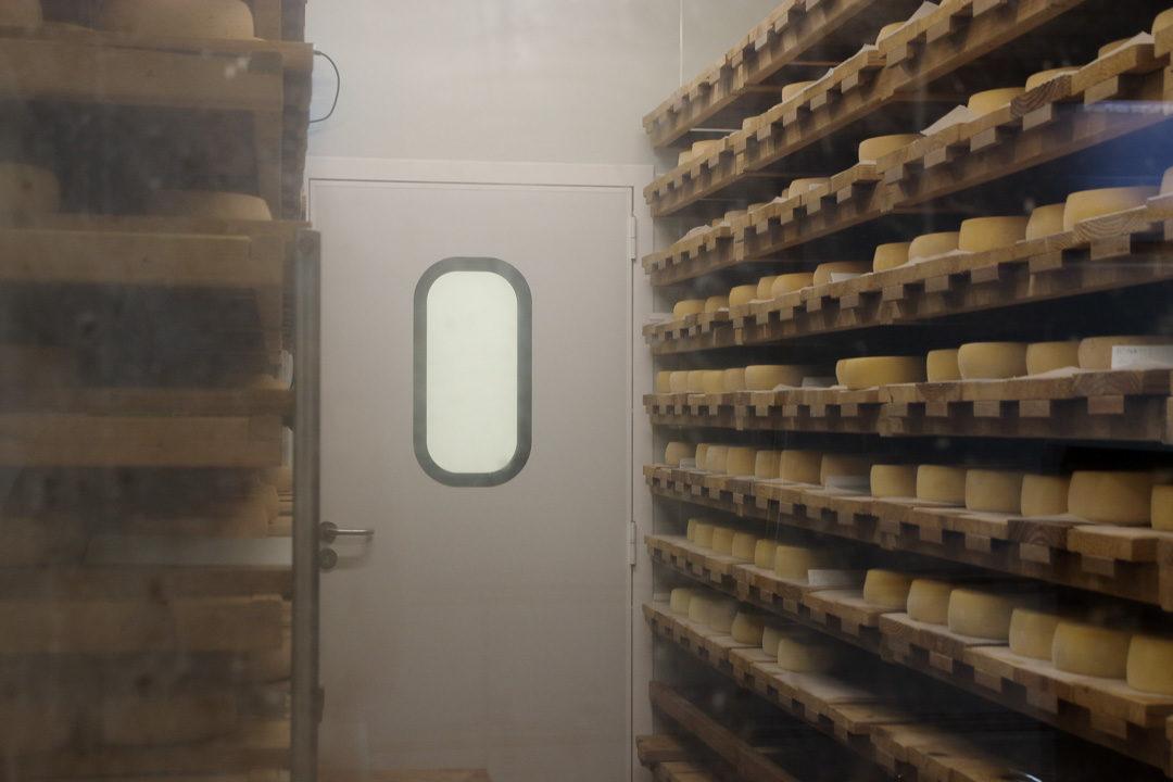 Salle d'affinage des fromages