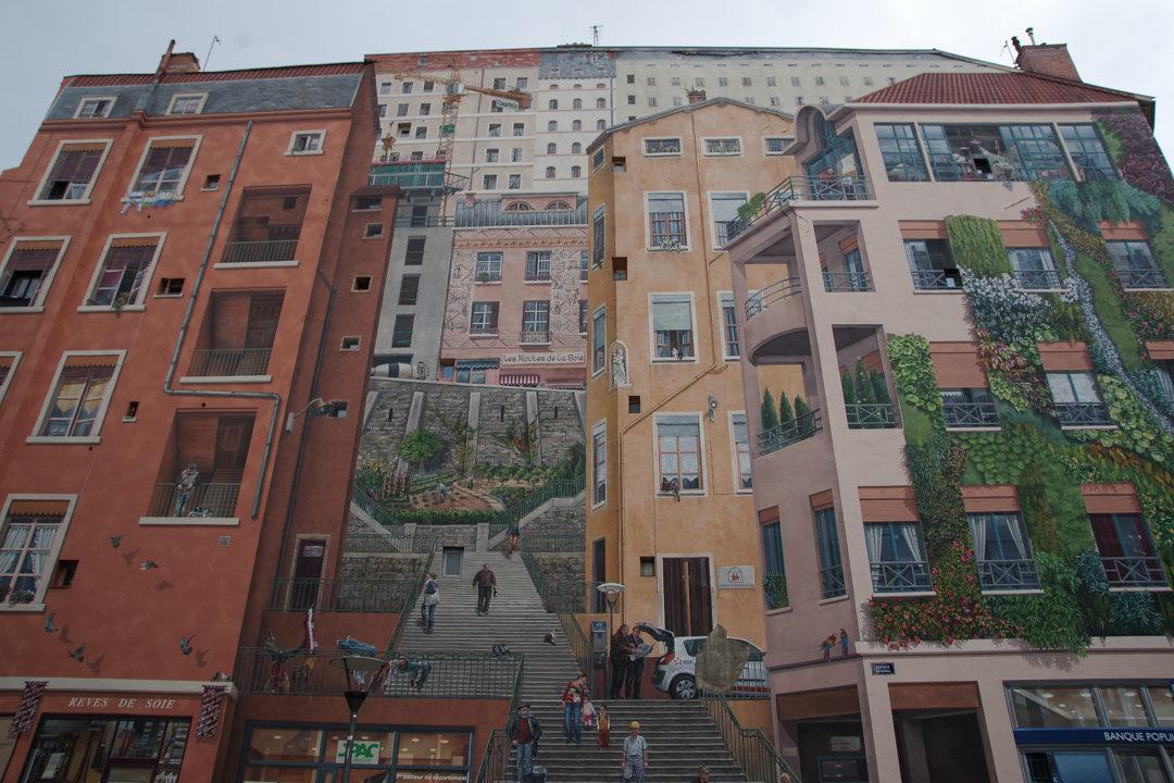 le mur peint des Canuts à la Croix Rousse- Lyon
