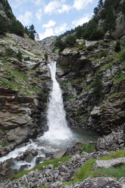 cascade dans le Vall de Nuria
