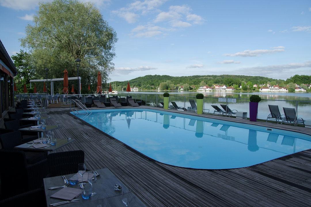 piscine de l'hôtel du golf de l'Ailette