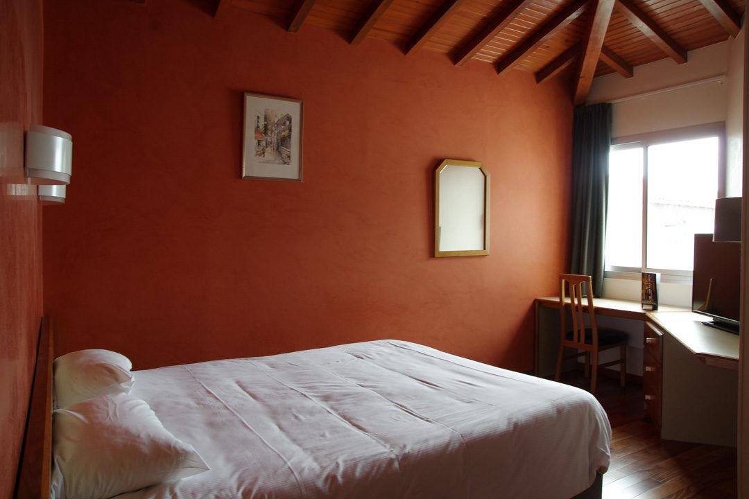 Chambre à l'hôtel spa du commerce - St Gaudens