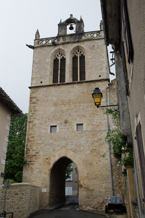 Tour dans le village médiéval d'Aurignac