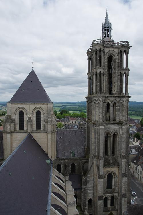 Vue sur les tours de la cathédrale de Laon