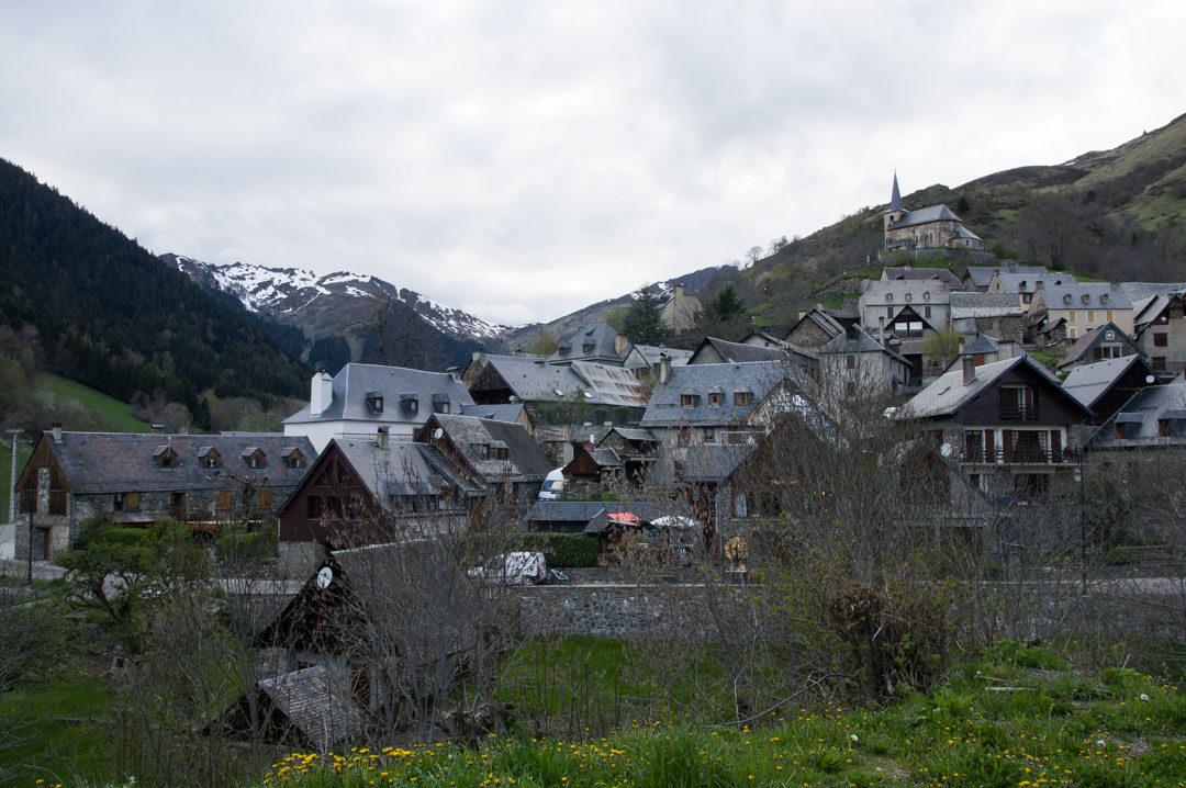 Village de Cires dans les Pyrennees