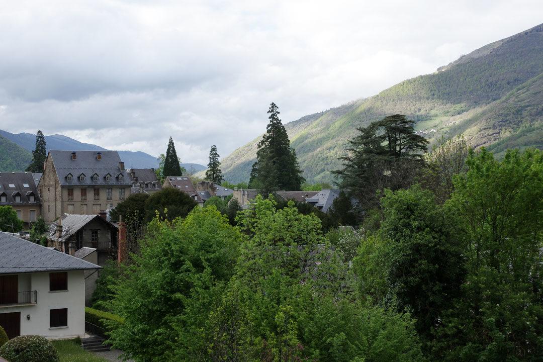 luchon vue depuis la chambre de l'hôtel d'Aquitaine