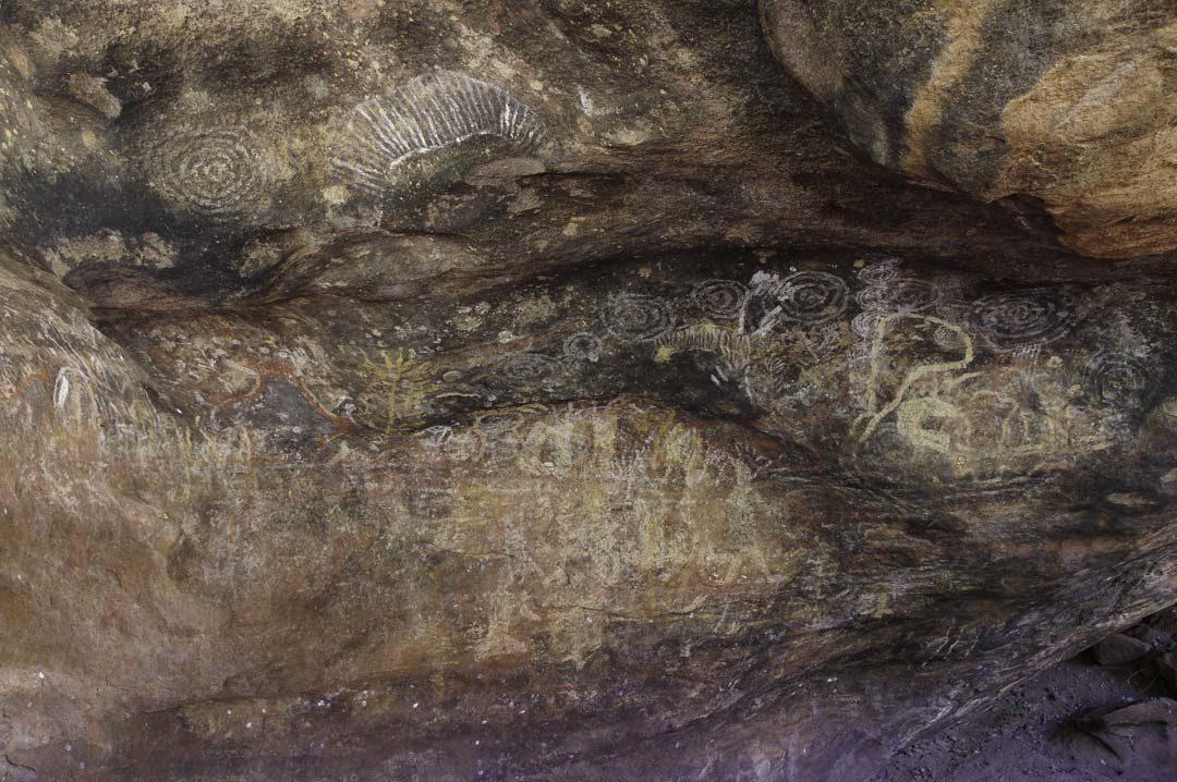 peinture aborigène sur le rocher Uluru