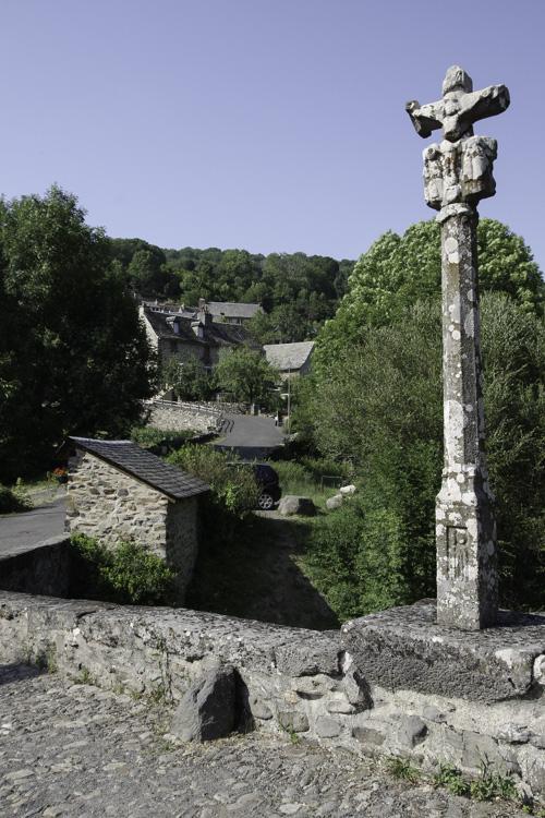 Croix du pont de Saint Chely