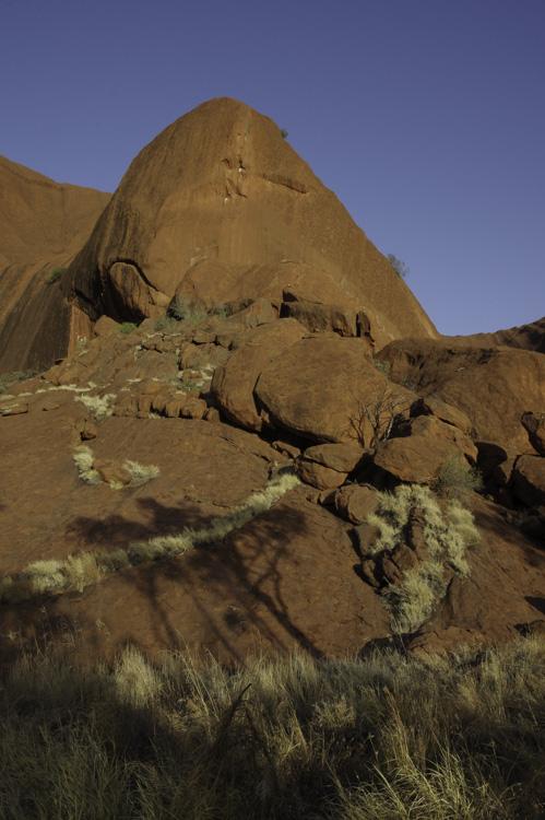 le rocher Uluru vu de près