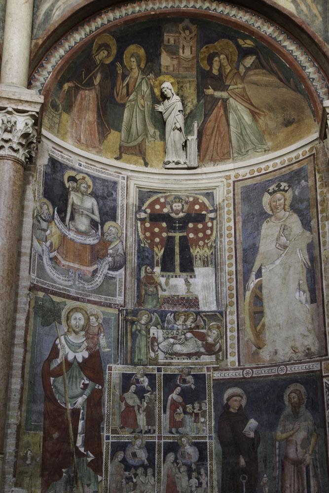 Fresque médiévale dans le Baptistère de Parme