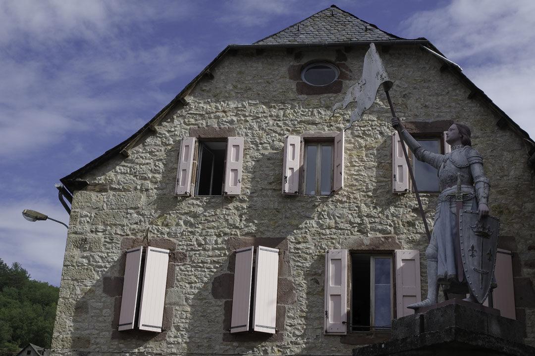 Statue de Jeanne d'Arc à la Canourgue