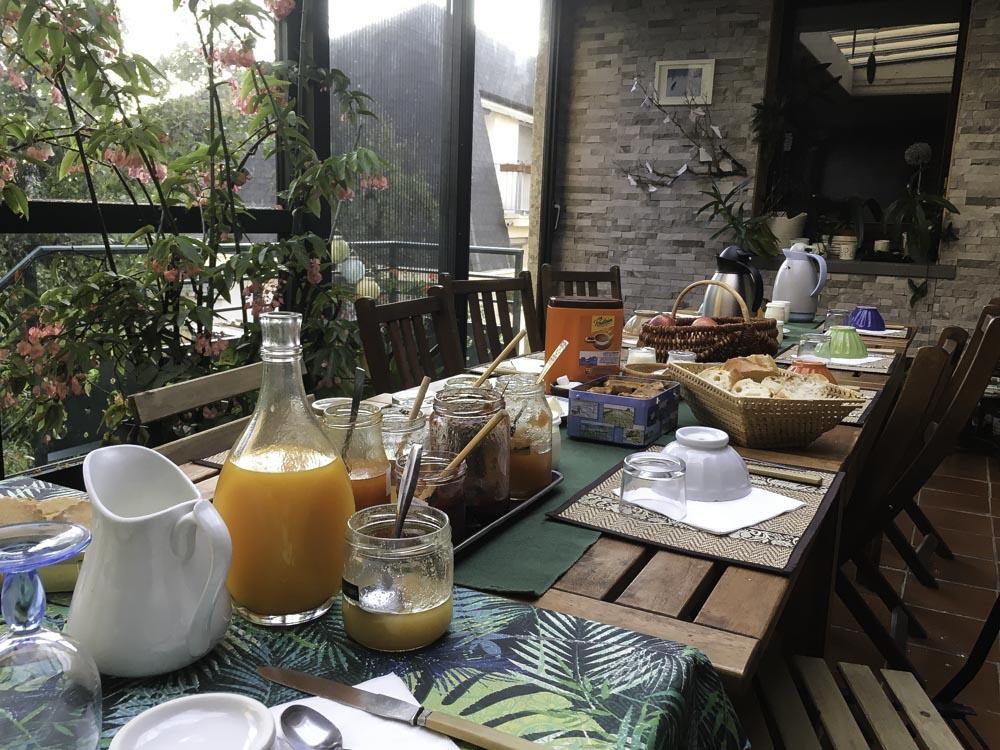 petit déjeuner au Gite Rando Pain Lozère