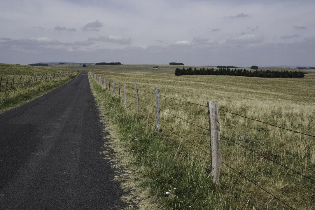 route bitumée vers la croix de rode