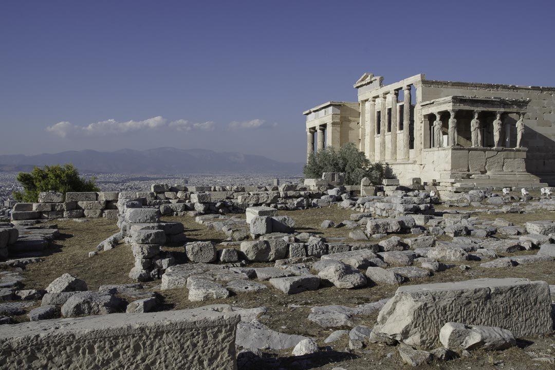temple d'Erechteion sur l'Acropole d'Athènes