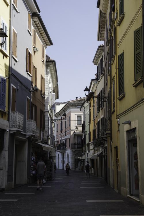rue dans le centre ville de Desenzano del Garda