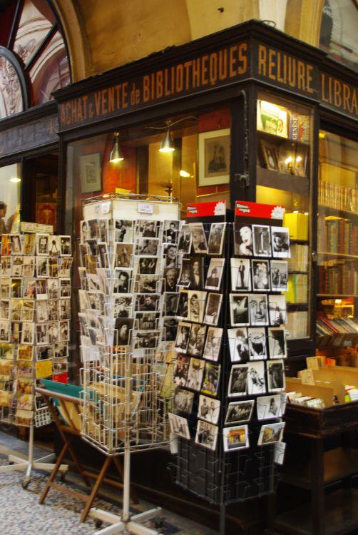 Librairie ancienne dans les passages couverts de Paris
