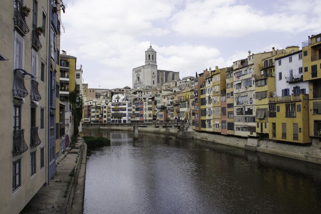 Vue sur Gérone avec la cathédrale et le Riu Onyar