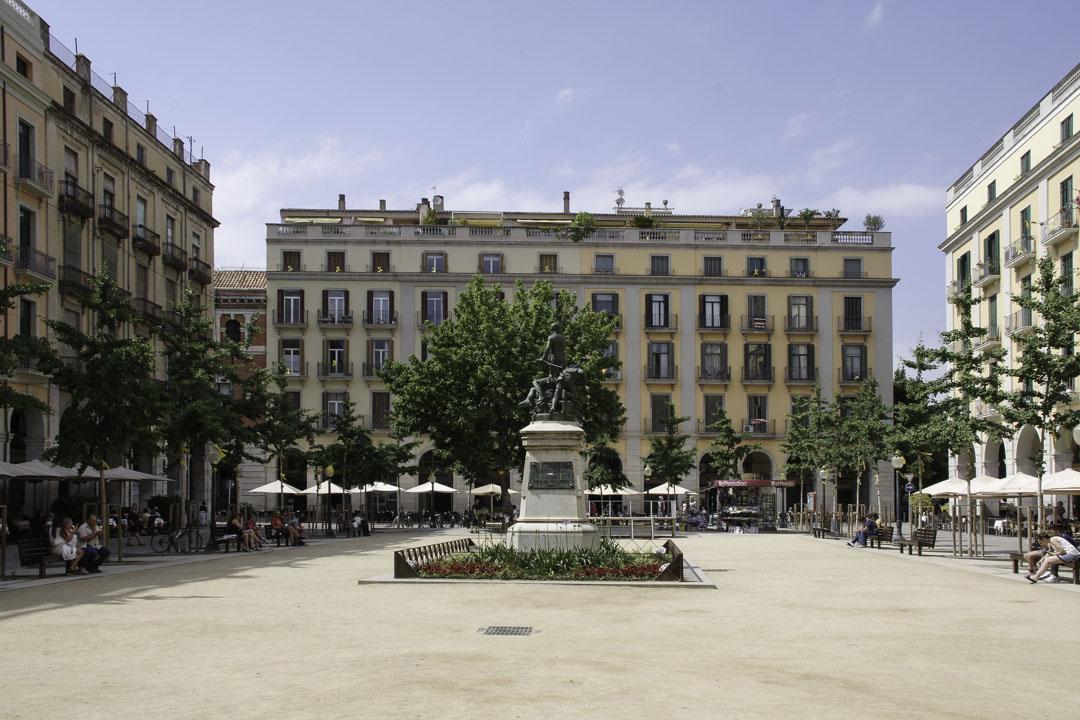 Place de l'indépendance à Gérone