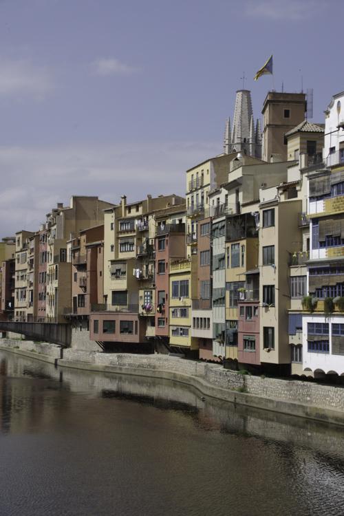 les habitations de Gérone le long du Riu Onyar