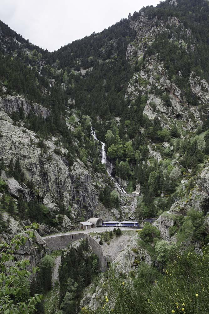 le train à cremaillere du vall de Nuria