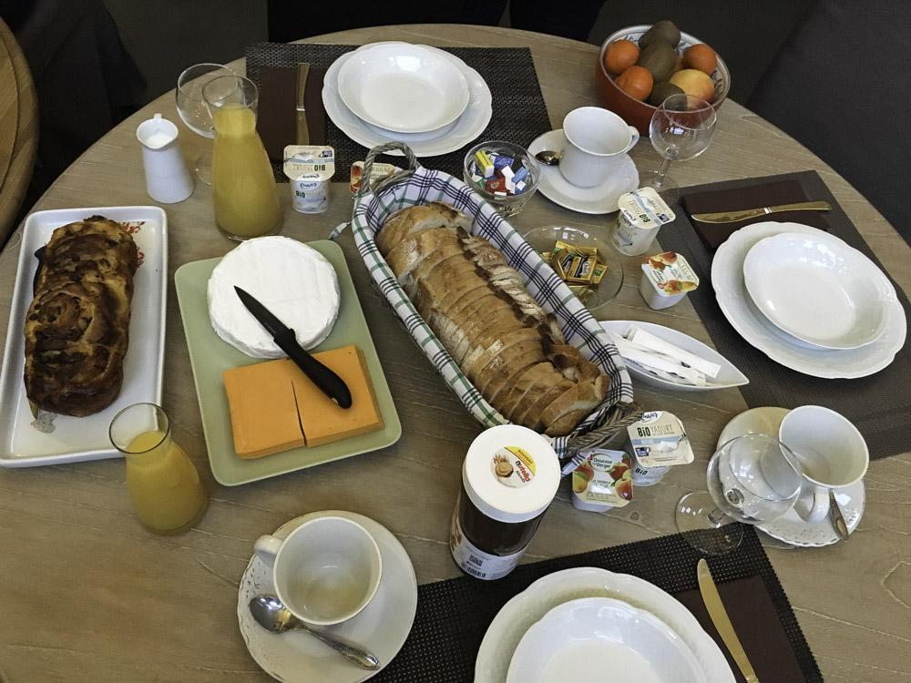 Buffet Petit Déjeuner de l'Heure Bleue