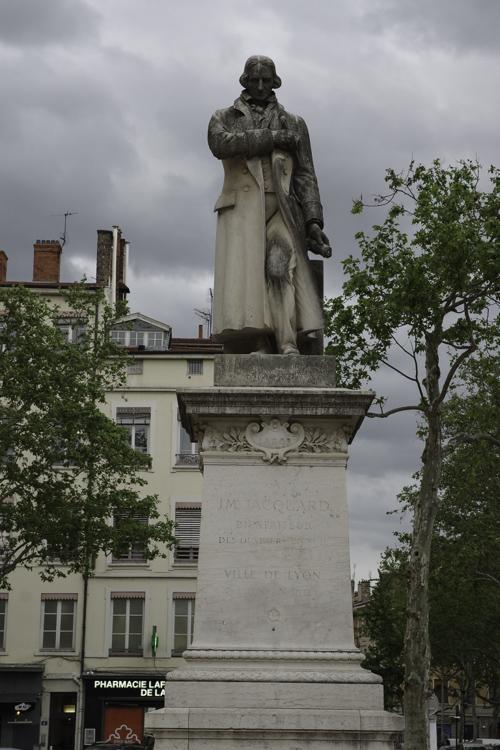 Statue de Jacquard sur la place de la Croix Rousse