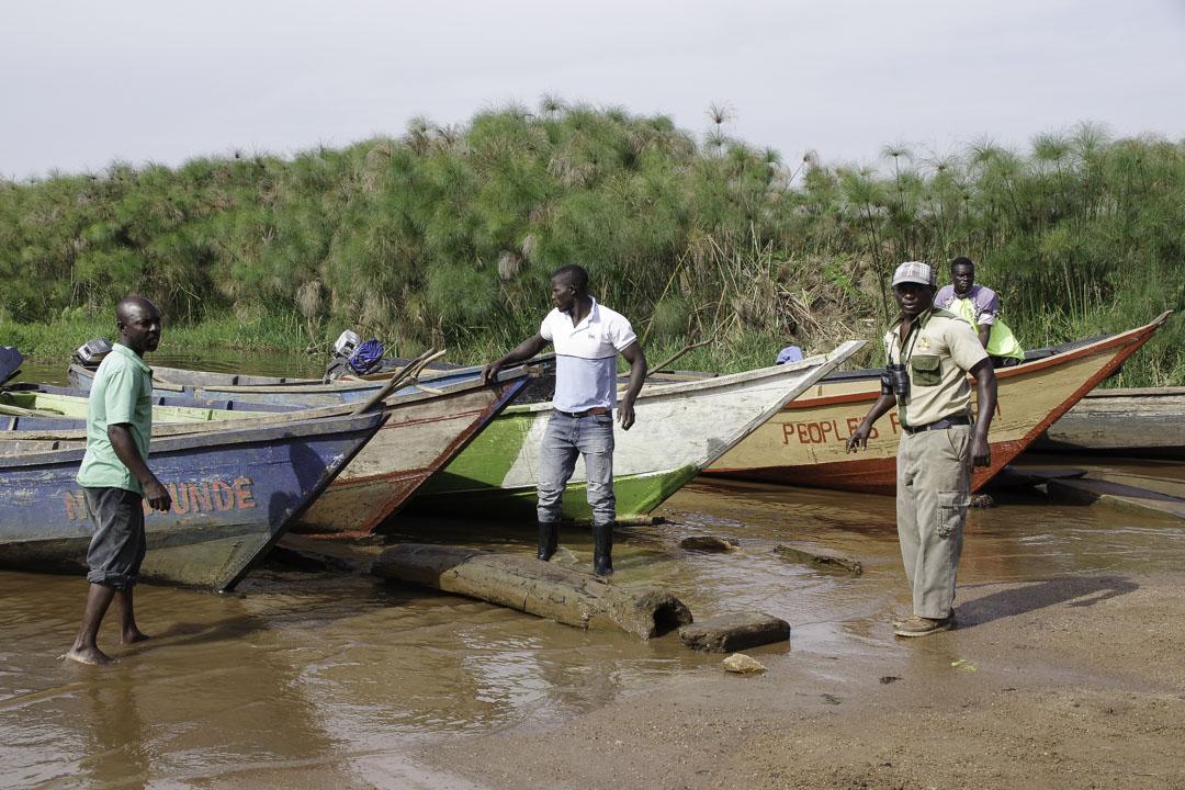 Les guides et leurs barques au Marais de Mabamba