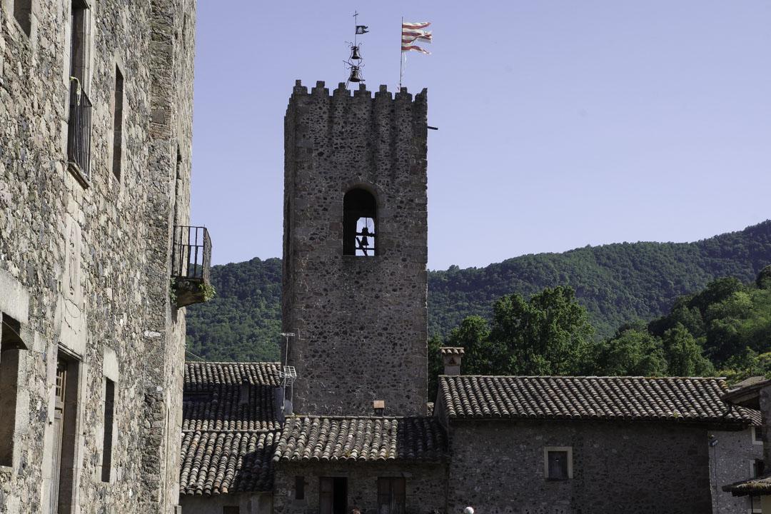 Tour du Vieux Santa Pau