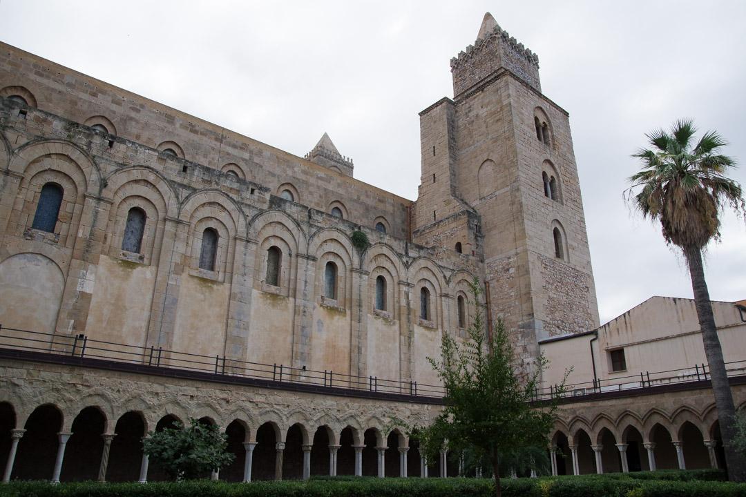 Cloître de la Cathédrale de Cefalu en Sicile