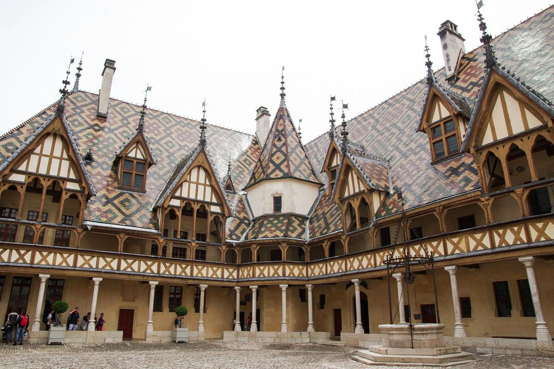 Cour des hospices de Beaune