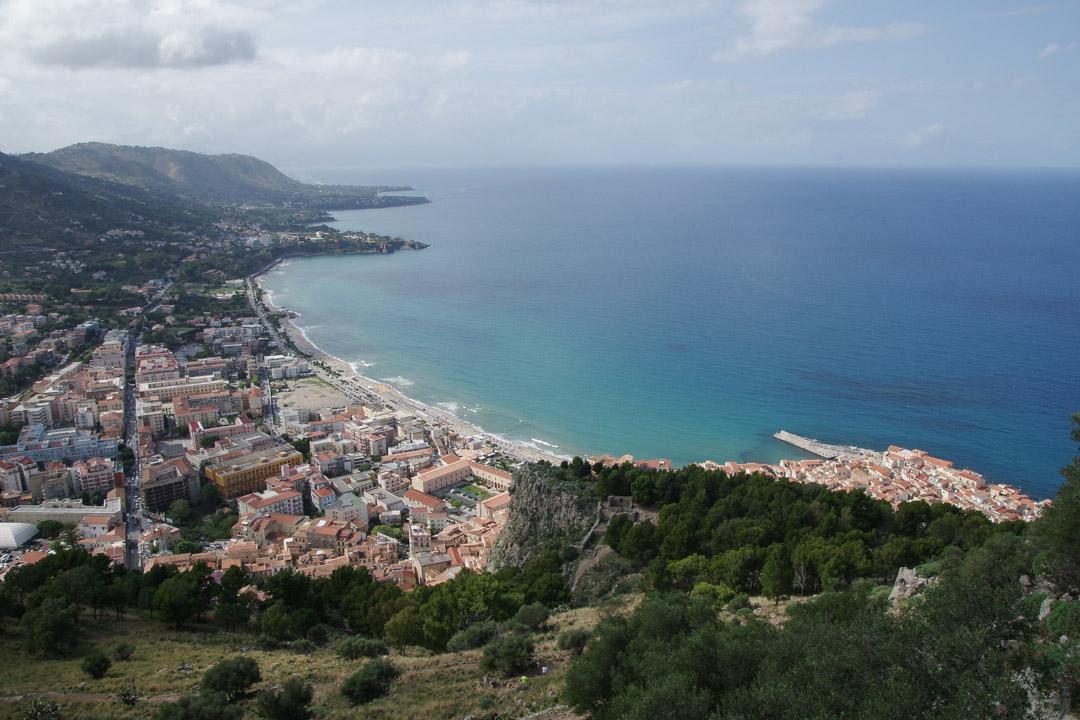 panorama sur Cefalu et la cote depuis le Rocca