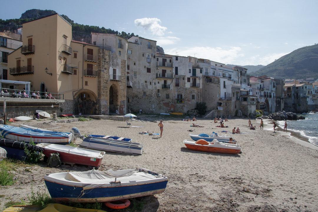 Le port et la plage de Cefalu