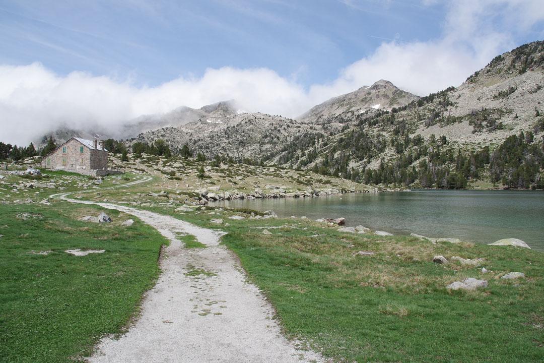 Randonnées aux Lacs de Néouvielle dans les Pyrénées