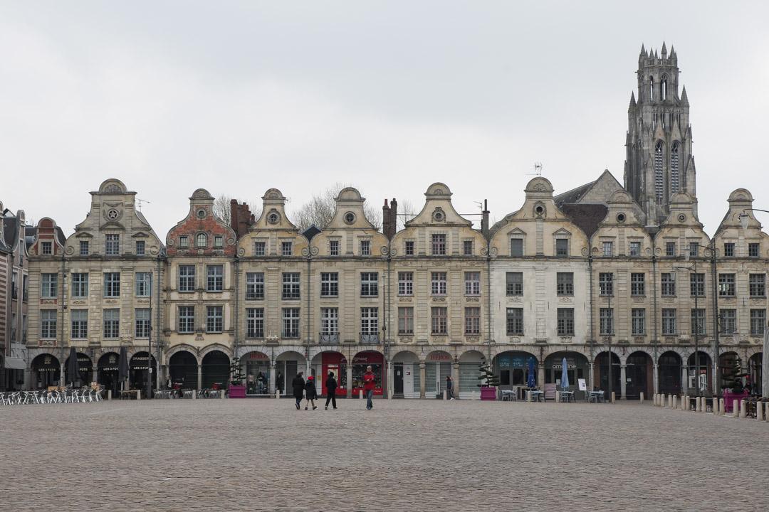 la place des Héros à Arras