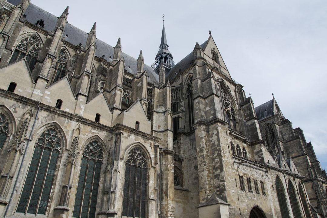la Basilique de Saint-Quentin