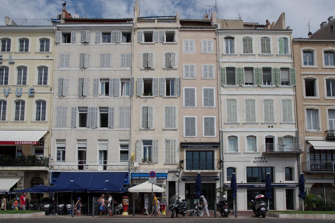 Facade rénovée du Vieux Port de Marseille