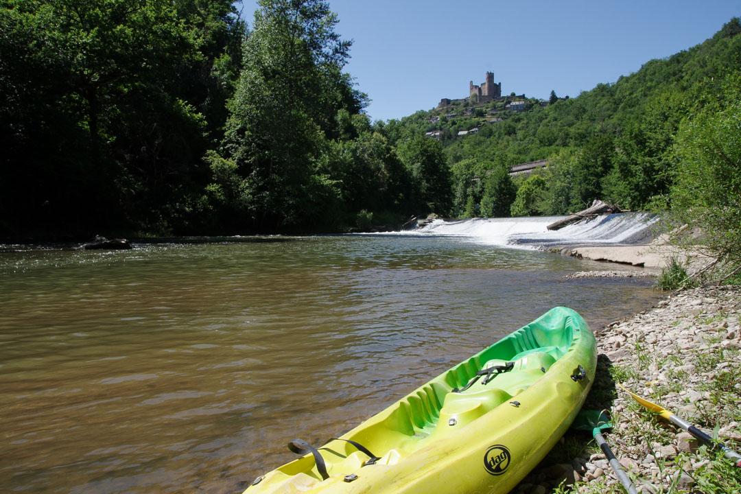 Canoe à Najac sur la rivière Aveyron