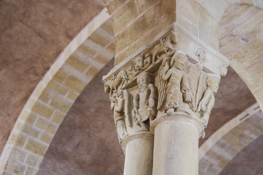 les chapiteaux romans de l'Abbatiale de Conques