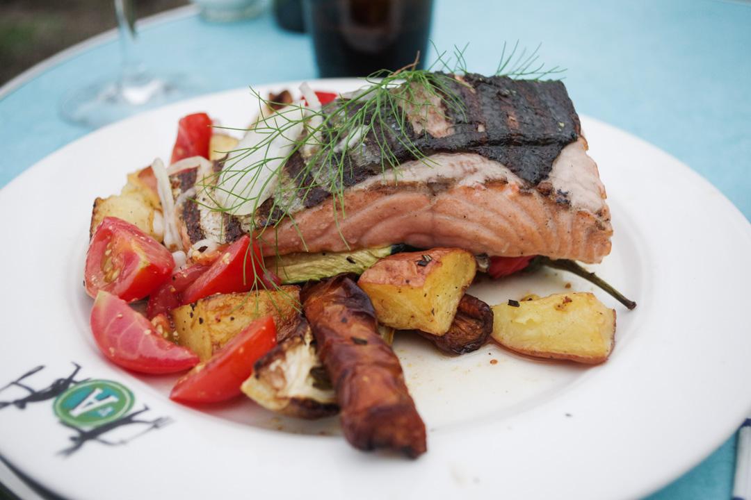 saumon et légumes du potager - restaurant augustus