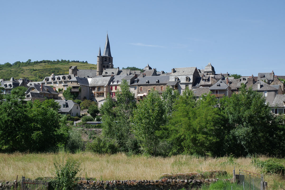 Panorama sur Saint Come d'Olt et son clocher tors