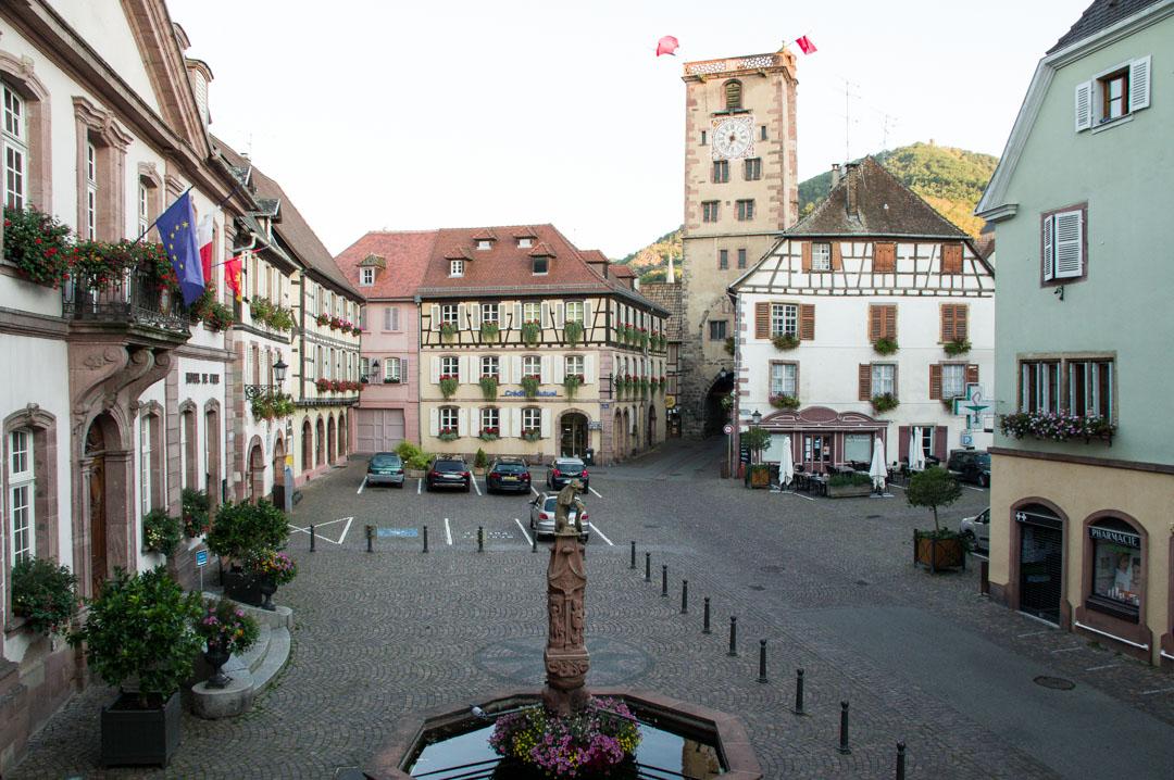 place de l'hôtel de ville à Ribeauvillé